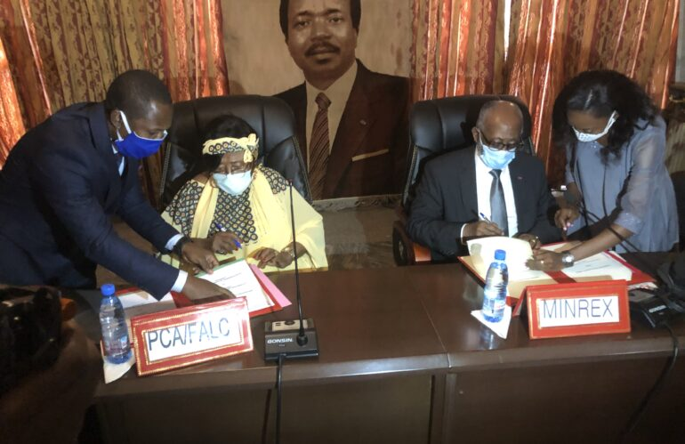 Signature accord de siège entre le Gouvernement Camerounais et la Fondation Médicale AD LUCEM le 12 août 2020